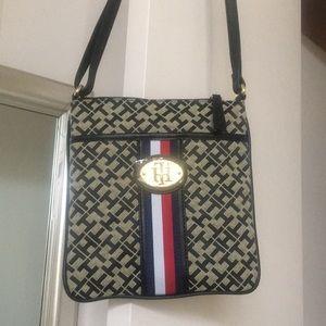 BRAND NEW Tommy Hilfiger cross body purse w/ tags